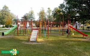 Viale. Mantenimiento de juegos infantiles en plazas de la ciudad2