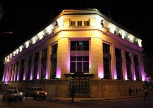 el-nuevo-banco-de-entre-rios-ilumino-de-rosado-su-edificio-y-se-sumo-a-la-lucha-contra-el-cancer-de-mama2