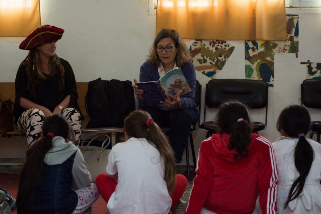 voluntarios-de-la-fundacion-nber-organizaron-jornadas-de-lectura-en-escuelas-primarias